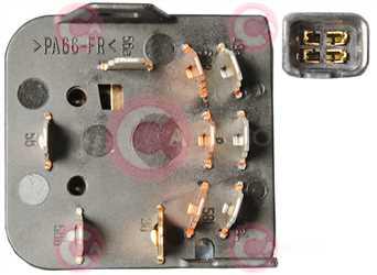 CLS77023 PLUG GM Type 12V